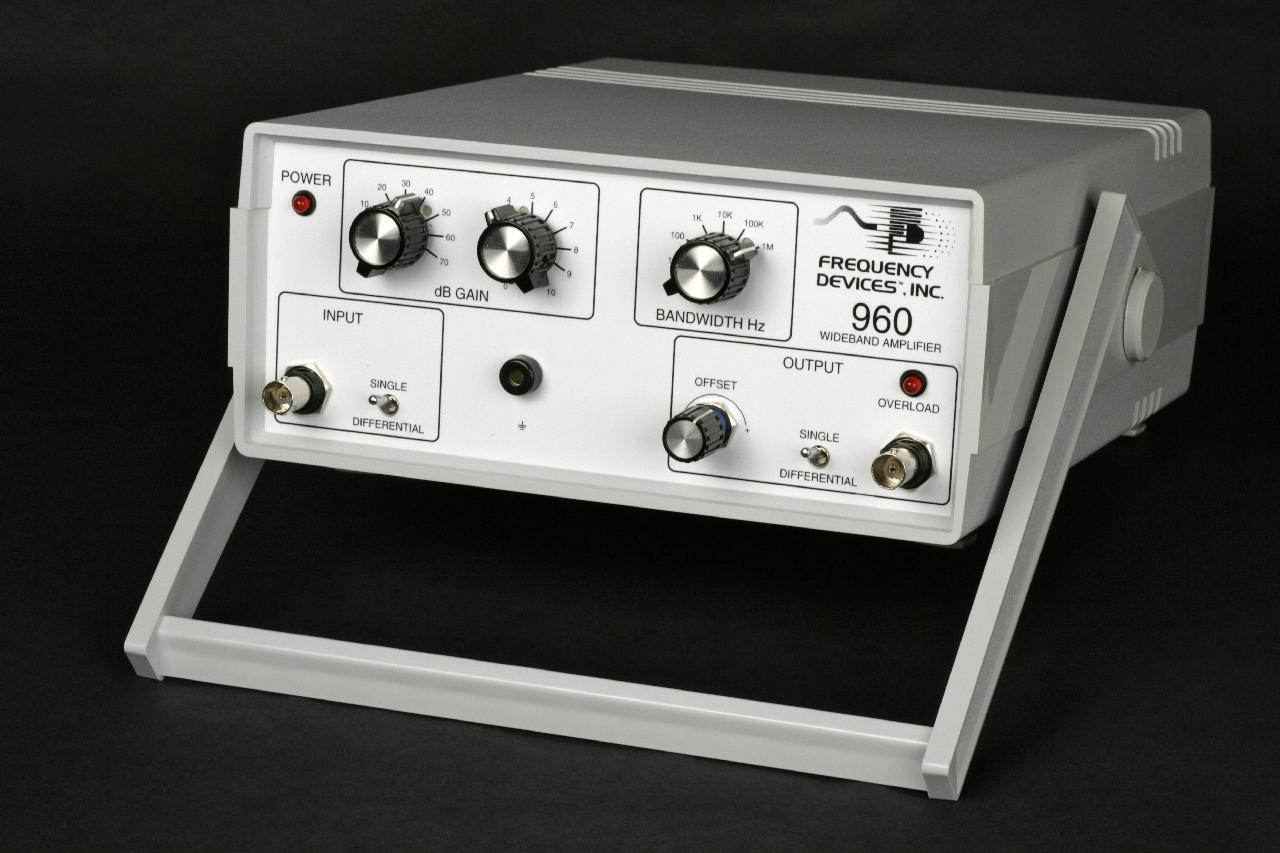 Models 960 960b Wideband High Gain Amplifier Instrument Where Can You Find An With A Single Input And What Voltage